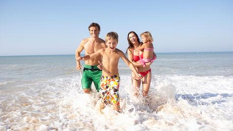 Ta med familjen på en prisvärd semester.