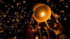 Uppsändning av ljuslyktor i Thailand.