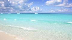 Playa de ses Illetes hittar du på Formentera.