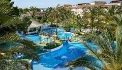 Härligt pool-landskap för familjen på Prinsotel La Dorada i Alcudia.