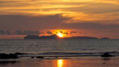 Solnedgångarna på Koh Lanta är otroligt vackra.