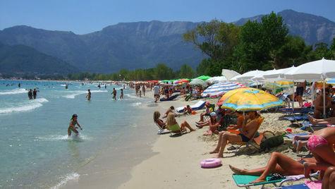 Thassos är en grekisk ö känd för sina fantastiska stränder.