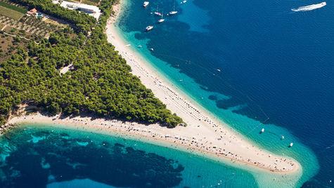 Zlatni Rat är en fin strand i Kroatien.