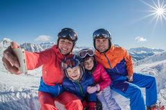Ta en familje-selfie i Cortina du också.