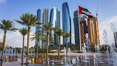 Abu Dhabi är emiratens futuristiska huvudstad.