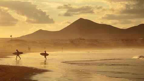 Famarastranden på Lanzarote är en av många fina sandstränder.