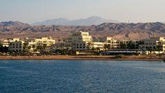 Charterresorna går till bland annat Aqaba.