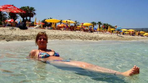 Doris njuter av stränderna runt Çesme.