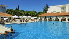 Härliga bad på Hotell Waterman Supetrus Resort.