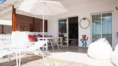 Boka in familjen i en Lollo & Bernie Suite på Sunwing för den ultimata semesterupplevelsen.