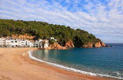 Den perfekta stranden i Tamariu på den spanska Costa Blanca-kusten.