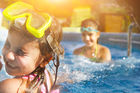 Barn under 12 reser gratis i sommar ☀️