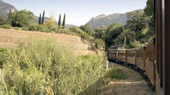Åk den spännande tåglinjen från Palma till Sóller.