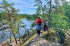 Ekovänlig vandring genom naturreservat