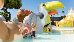 Rolig pool för de små på Hotell Condesa de la Bahia.